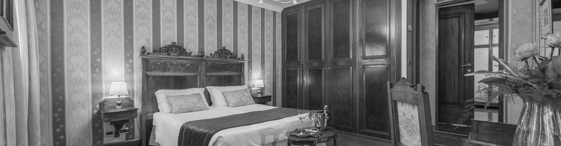 palazzo-bembo-superior-room-2-bn